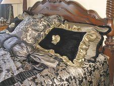 Free Luxury 2 - Bedroom 6 Royalty Free Stock Image - 3029536