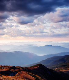 Free Early Morning In The Mountains Royalty Free Stock Photography - 30227407