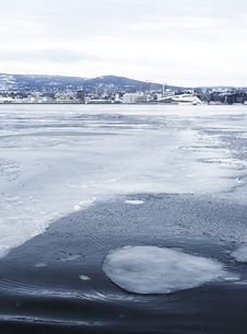 Free Ice On The Oslo-fjord Royalty Free Stock Photos - 30230588
