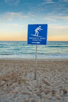Free Sunset Beach With Surf Sign. Stock Photo - 30242040