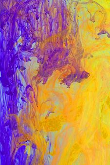Free Violet And Orange Inks In Water Stock Photos - 30242873