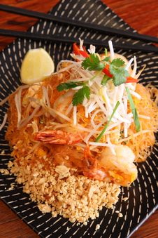 Free Pad Thai, Thai Signature Dish. Royalty Free Stock Photography - 30242917