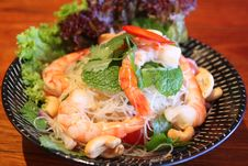 Sour & Spicy Vermicelli Salad With Prawn Royalty Free Stock Photos