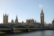 Free Westminster Bridge Royalty Free Stock Photography - 30251107