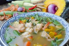 Free Spicy Mixed Vegetable Soup &x28;Kaeng Liang&x29; Stock Image - 30256411