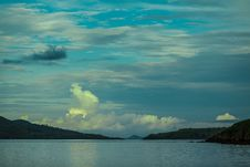 Free The Islands In The Flores Sea Royalty Free Stock Image - 30262316