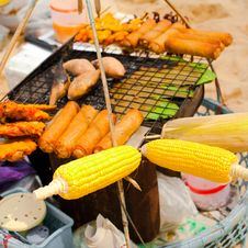 Free Traditional Thai Food At Small Market On Beach Royalty Free Stock Image - 30280556