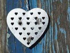 Free Grungy Metal Heart Royalty Free Stock Photography - 30281117