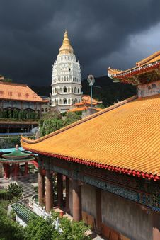 Free Kek Lok Si Buddhist Temple Stock Photo - 30281920