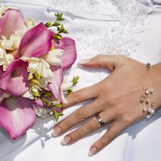 Free Wedding Ring And Bouquet Royalty Free Stock Image - 30295556