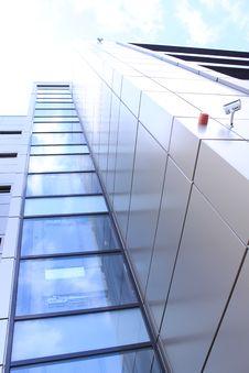 Free Modern Building - Racourci Angle Royalty Free Stock Photo - 30298575
