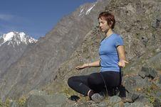 Free Meditating Girl 03 Stock Photos - 3030593