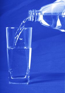 Free Water Poured In A Glass Stock Photography - 3031402