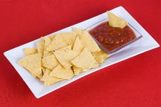 Free Nachos And Salsa Sauce Royalty Free Stock Images - 3031489