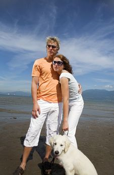 Free Young Couple On The Beach Stock Photography - 3034562