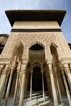 Free Courtyard Of The Lions In The Alhambra Royalty Free Stock Photos - 30301238