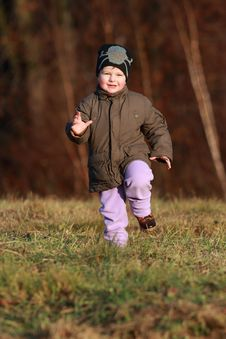Free Little Boy Running Stock Photography - 30313302