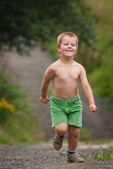 Free Little Boy Running Stock Image - 30313661