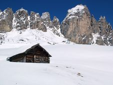 Free Hut In The Mountains Stock Photos - 30335813