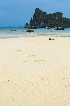 Free White Sand Beach At Phi Phi Island, Krabi, Thailand Stock Photography - 30350462