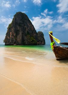 Free Tropical Beach Landscape. Thai Traditional Long Tail Boat Stock Images - 30370494