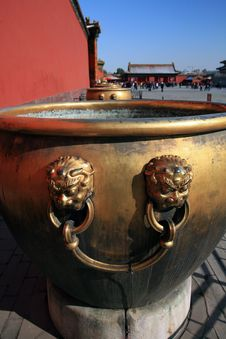 Free Beijing The Imperial Palace Copper Tank Stock Photos - 30393753