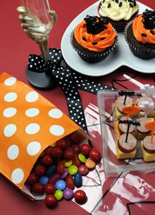 Free Happy Halloween Party Table - Vertical. Stock Images - 30399604