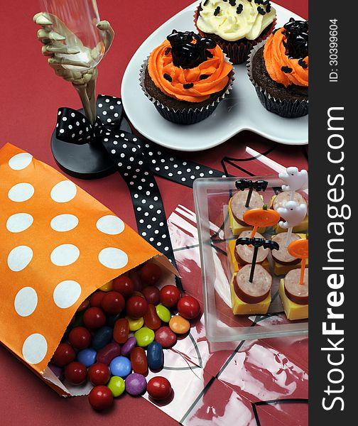 Happy Halloween party table - vertical.