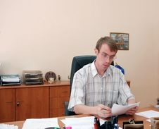 Free Businessman In His Office Royalty Free Stock Photography - 3040017