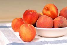 Free A Bowl Of Fresh Ripe Peaches Stock Image - 3041031