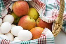 Free Apples And Eggs Royalty Free Stock Photos - 3041418