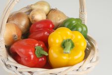 Free Basket With Fresh Peppers Stock Photography - 3041602