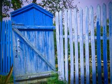 Free Blue Gate Royalty Free Stock Photos - 3042718