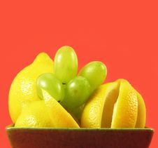 Free Lemons And Grapes Stock Image - 3044151