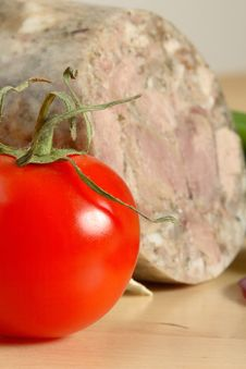 Free Tomato And Meat Royalty Free Stock Image - 3044316