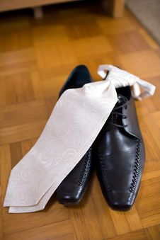 Free Necktie And Leathershoes Royalty Free Stock Photo - 3044495