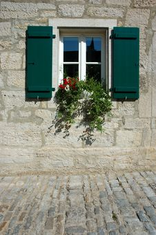Free Window And Flowers Royalty Free Stock Image - 3046836