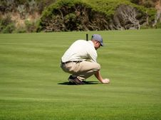 Free Aligning The Putt Royalty Free Stock Photos - 3047988