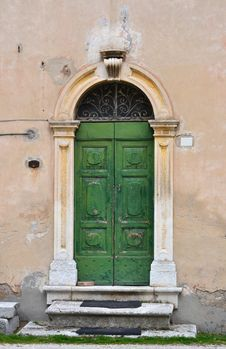 Free Old Italian Frontdoor Stock Photo - 30402010