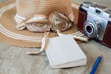 Free Vintage Camera Still Life Stock Photo - 30405280