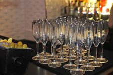Free Champagne Glasses On The Bar Royalty Free Stock Images - 30413809