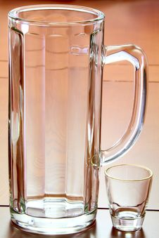 Free Beer Mug And A Glass Royalty Free Stock Photos - 30426068