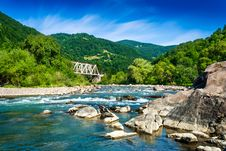 Free Shore Of A Mountain River Royalty Free Stock Image - 30435406