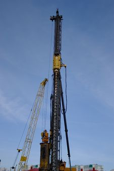 Free Drilling Rig And Crane Royalty Free Stock Images - 30454839