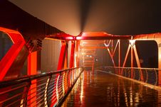 Free The Bridge In The Rain Royalty Free Stock Images - 30466459