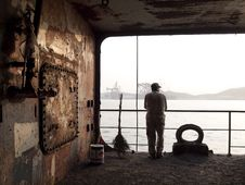 Free Worker In Shipyard Royalty Free Stock Photography - 30474907
