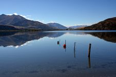 Free Lake Wanaka Autumn Reflections, Otago New Zealand Royalty Free Stock Image - 30479156