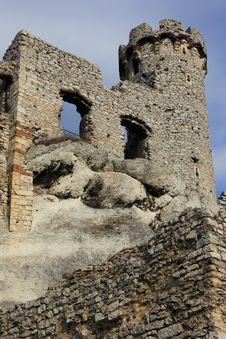 Free Ogrodzieniec Castle Ruins Poland. Royalty Free Stock Photos - 30493788