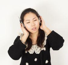 Free Woman Singing Stock Photos - 30495463