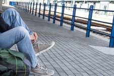 Free A Person Tying His Shoes Royalty Free Stock Image - 30499206